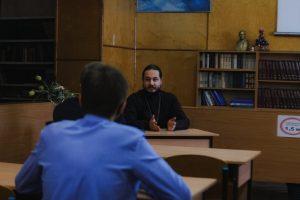 Встреча курсантов колледжа с настоятелем Космодамиановского храма города Кирсанова, священником отцом Сергием